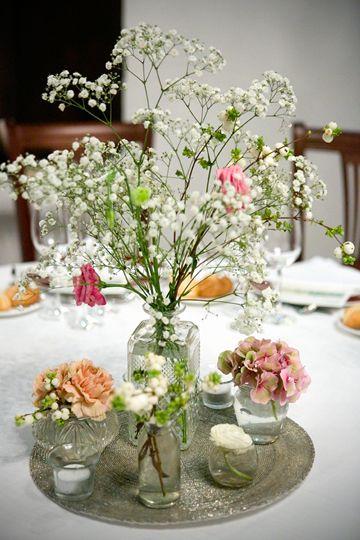 Centros de flores para mesas bodas hortensias azules - Centros de boda ...