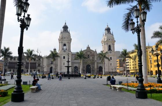 Lima,_Peru_-_Plaza_de_Armas_06