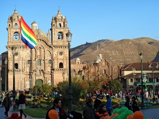 Rainbow_flag_Cusco